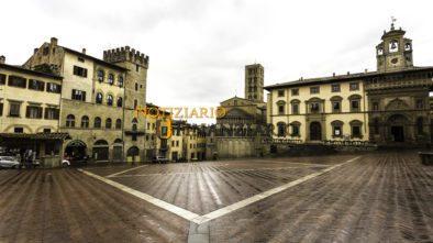 Turismo.Panoramica di Piazza Grande Arezzo