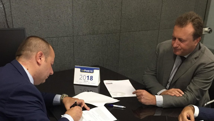 firma dell'accordo tra races e uniposte