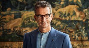 Yoox Net-a-porter group nomina Geoffroy Lefebvre, attualmente direttore della distribuzione digitale di Richemont, come nuovo ceo a partire dal 4 gennaio 2021.